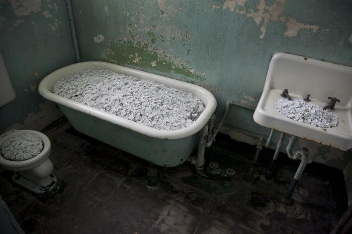 Ai Weiwei, Blossom, 2014 (installation detail, Alcatraz Hospital); photo: Jan Stürmann, courtesy FOR-SITE Foundation